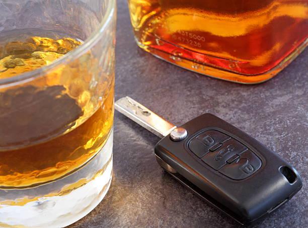 Bebida e drive - foto de acervo