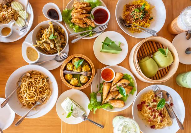 飲料和食物 - 泰國菜 個照片及圖片檔