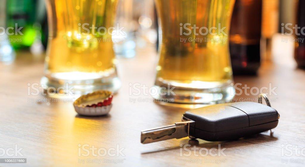 Ebrias al volante concepto - Foto de stock de Accidente de automóvil libre de derechos