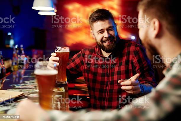 Drinking beer at bar picture id595328928?b=1&k=6&m=595328928&s=612x612&h=qwqt3eknuvkvexdl77yvxh3imxjyxijjittncktnpju=
