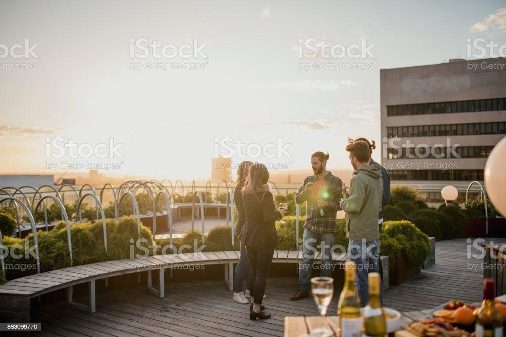 Getränke auf dem Dach - Lizenzfrei Abenteuer Stock-Foto