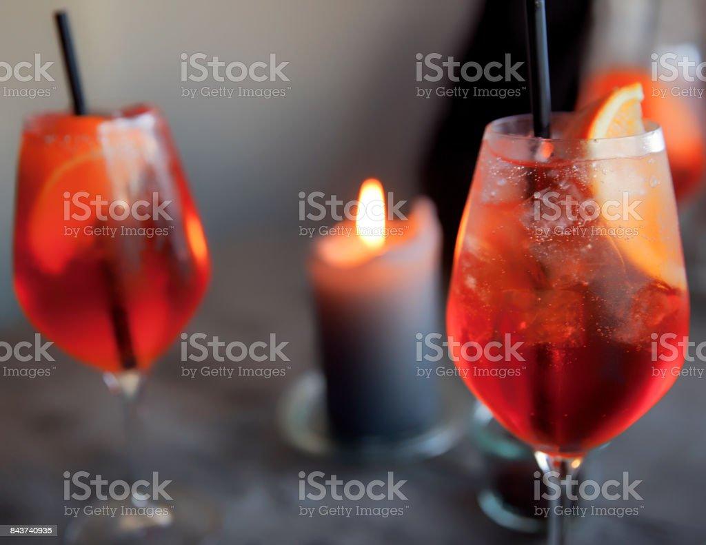 Bebidas de cortesía. - foto de stock
