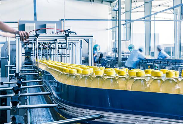 Bebidas planta de producción en China - foto de stock