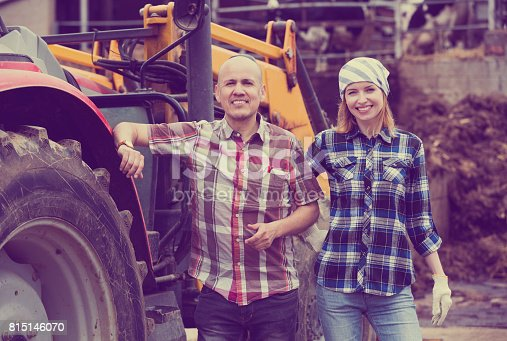 istock Driver and assistant near harvester 815146070
