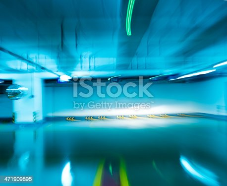 istock drive-up in motion 471909895