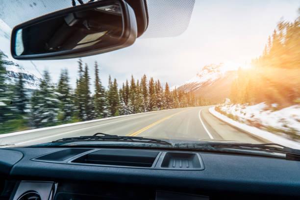 Auto auf Icefields Parkway – Foto