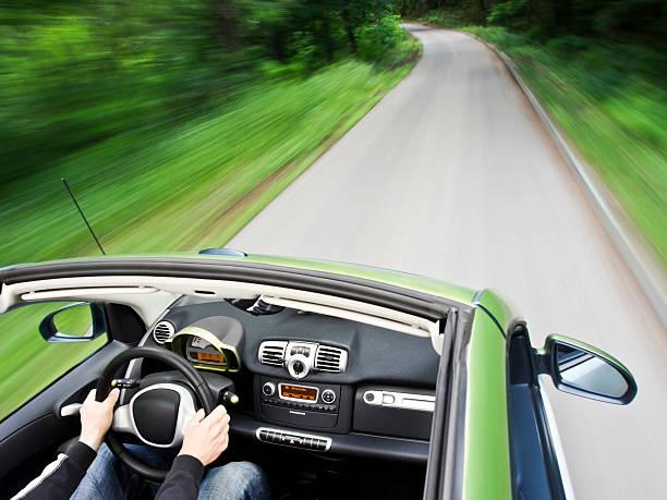 guida auto elettrica - automobile con biodiesel foto e immagini stock