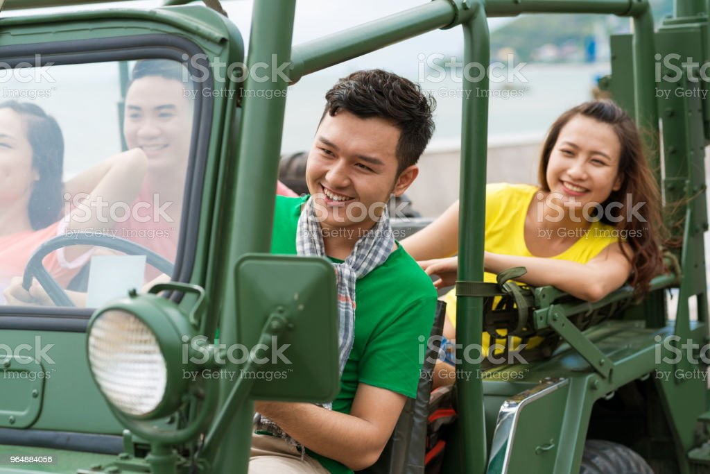 汽車駕駛 - 免版稅一起圖庫照片