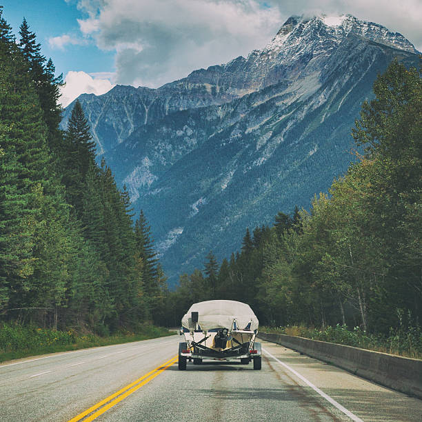 Driving through Yoho National Park in British Columbia, Canada – Foto