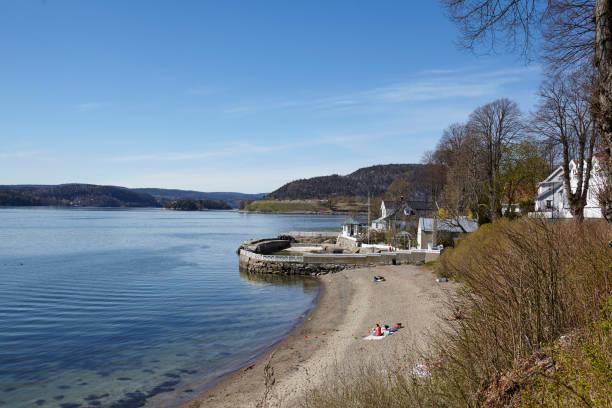 Drobak (Akershus, Norwegen) - Liegewiese und Strand – Foto