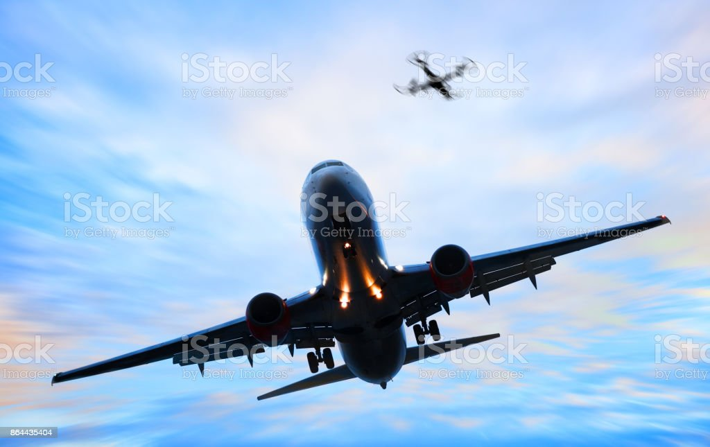 Drone and airplane landing - foto stock