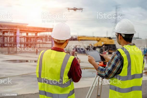 Drone operated by construction worker picture id1125525958?b=1&k=6&m=1125525958&s=612x612&h=bjvewkisudh4ybixg80iz80gip7ysrjnensm6h2jdye=