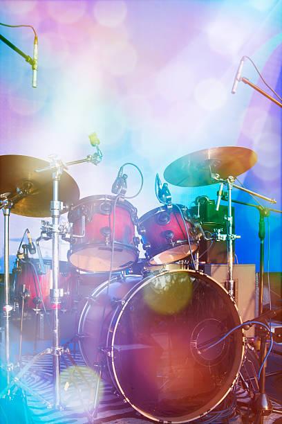 tambour sur cadre - batterie musique photos et images de collection
