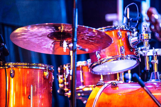 Drums on stage Drums on stage drum kit stock pictures, royalty-free photos & images