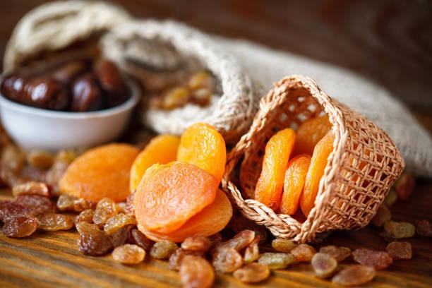 abricots secs et divers fruits secs - Photo