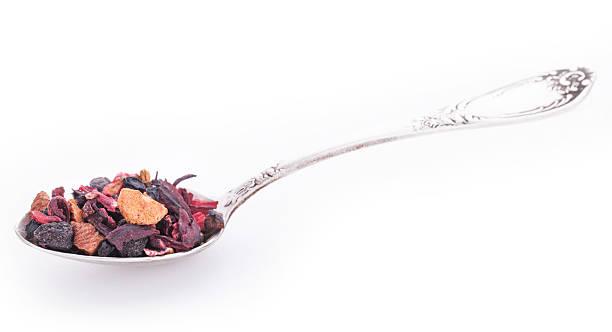 trockenfrüchte und wilden beeren in die silver spoon - roter holunder stock-fotos und bilder