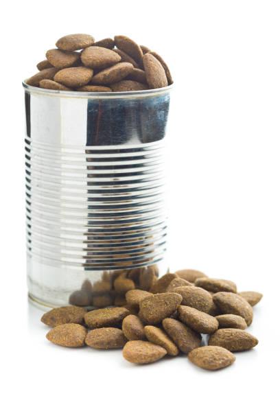 dry kibble dog food - lata comida gato imagens e fotografias de stock