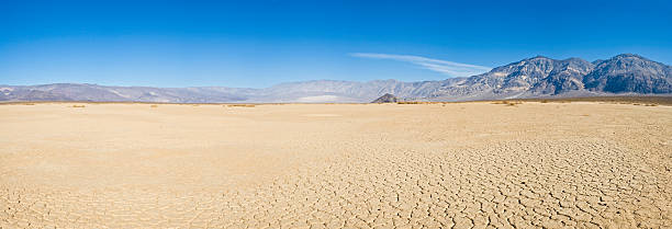 Dry lake desert vista  lake bed stock pictures, royalty-free photos & images