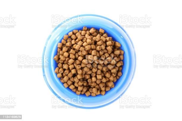 Dry pet food in bowl isolated on white background picture id1134169829?b=1&k=6&m=1134169829&s=612x612&h=47nudsyztske6yjbr22hdzheffmdm3wyymjxwlkeuu0=