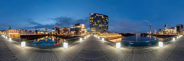 Düsseldorf panorama bildbanksfoto