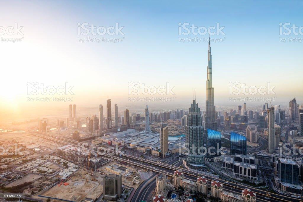 Dubai bei Sonnenaufgang Form 79. Stock – Foto