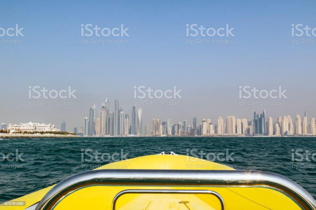 Dubai Marina and Palm Jumeirah from the sea photo libre de droits