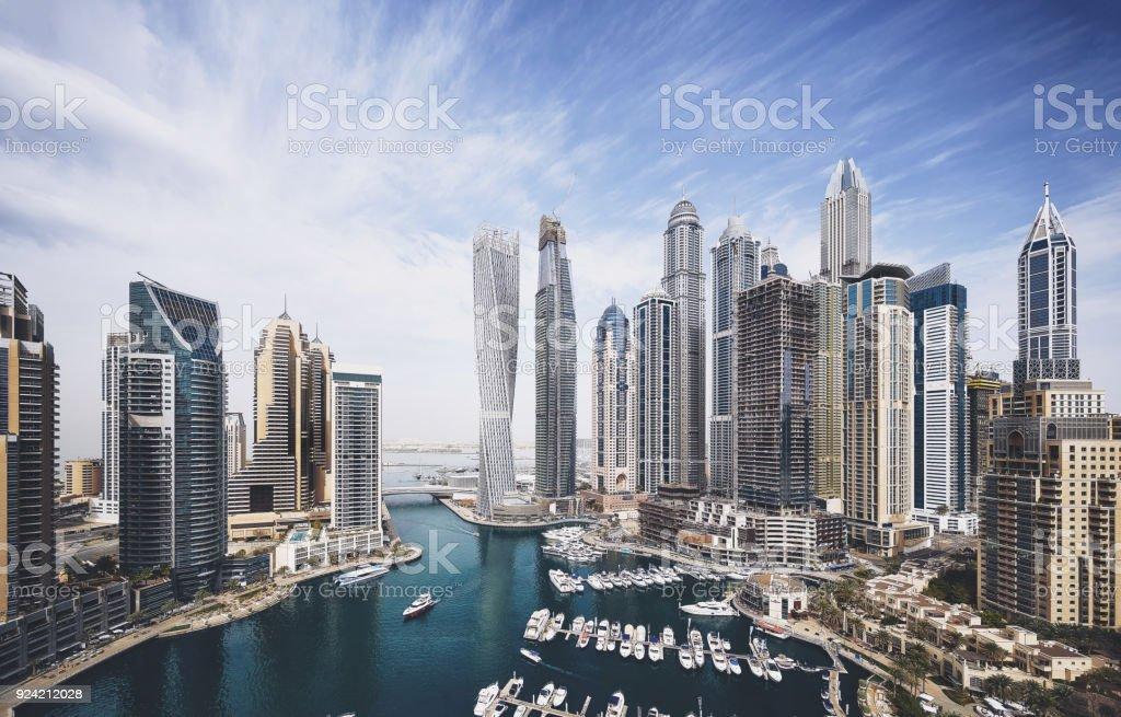 Die Skyline von Dubai Marina – Foto