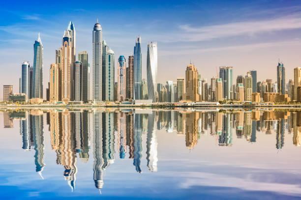 Dubai Skyline Reflexion, Dubai Marina, Vereinigte Arabische Emirate – Foto