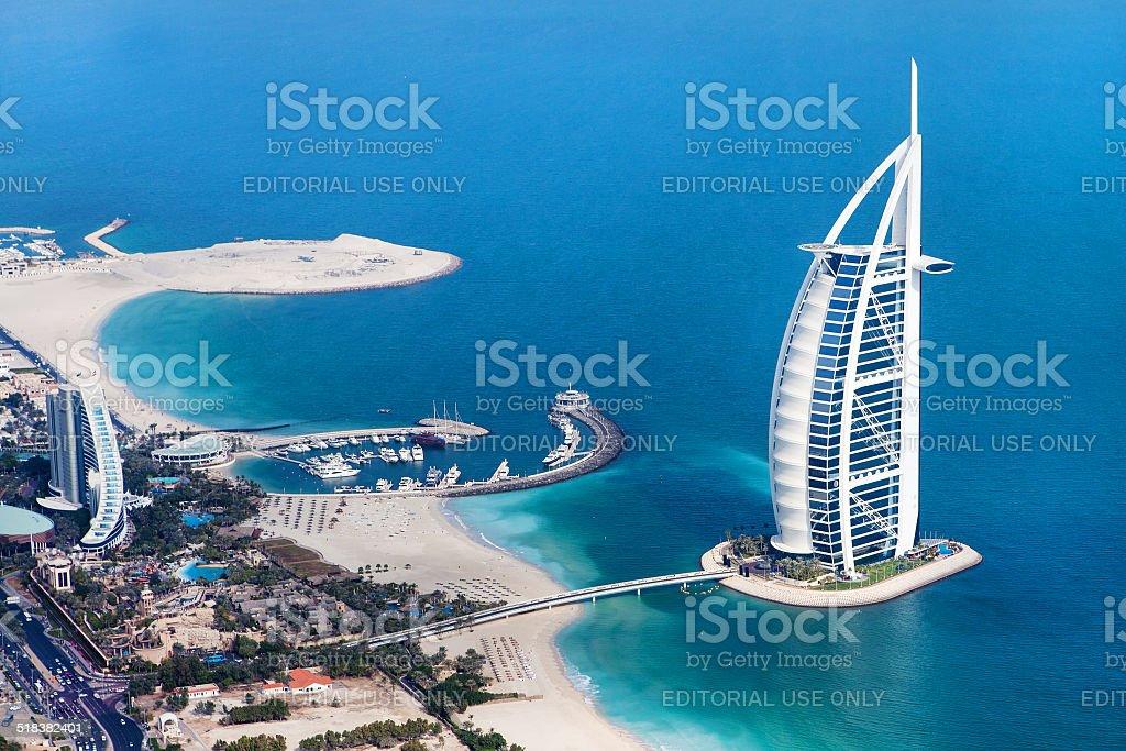 Dubai, VAE. Burj Al Arab von oben – Foto