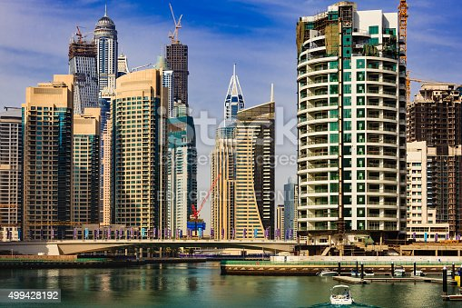 istock Dubai, UAE - Luxurious Marina and waterfront skyscrapers 499428192