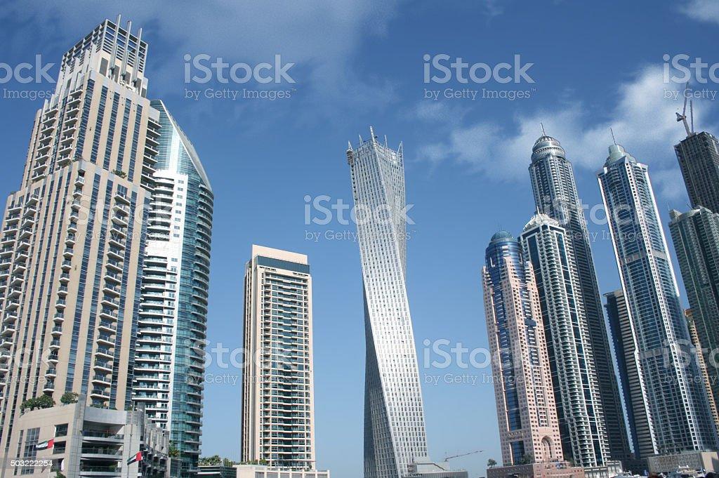 Twisted Wolkenkratzer in Dubai: Cayan-Turm – Foto