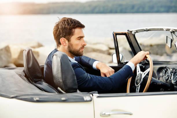 dude im sportwagen - 1m coupe stock-fotos und bilder