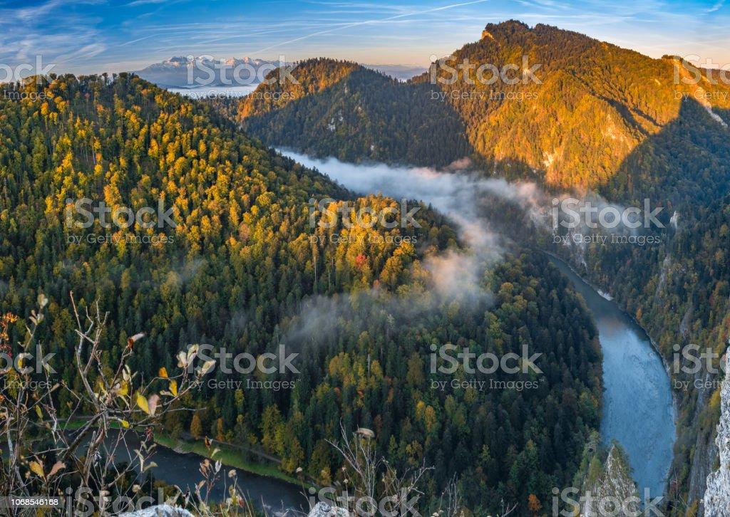 Dunajec Fluss Schlucht Panorama in Pieniny Bergen, Polen – Foto