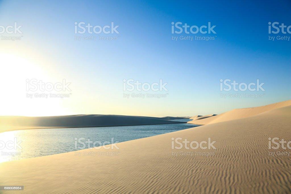 Dunas de areia desertas dos lençóis maranhenses stock photo