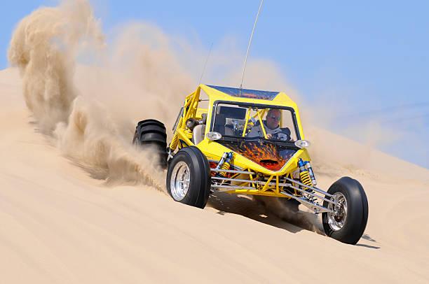 Buggy des sables à deux, jaune, lancer une mise en uvre, dans l'Oregon - Photo