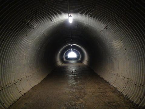 Foto de Dunkler Túnel e mais fotos de stock de Arquitetura