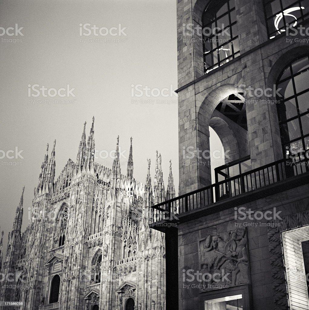 Duomo di Milano e Palazzo dell'Arengario stock photo