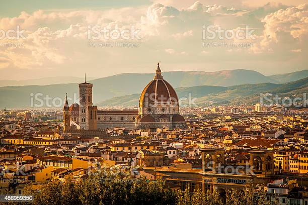 Duomo florence italy picture id486959350?b=1&k=6&m=486959350&s=612x612&h=6uxdim ezwmb2ai2klor2 z1ie4tbi3xttfuj8x5cck=