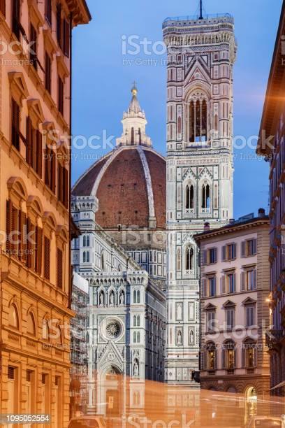 Duomo florence picture id1095052554?b=1&k=6&m=1095052554&s=612x612&h=bbcibjtwmnsimztgzxeeao lutjgxrr51kx5ssa08qu=