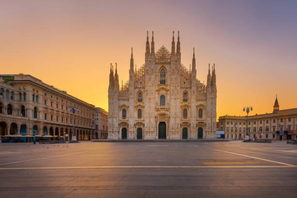 gotiska duomokatedralen i milano - katedral bildbanksfoton och bilder