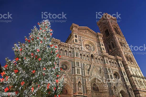 Duomo in florence campanile and christmas tree tuscany italy picture id183378182?b=1&k=6&m=183378182&s=612x612&h=uanipnnksl5zdnmu1ylad3 gzhp18fzbefdohwg0d0e=