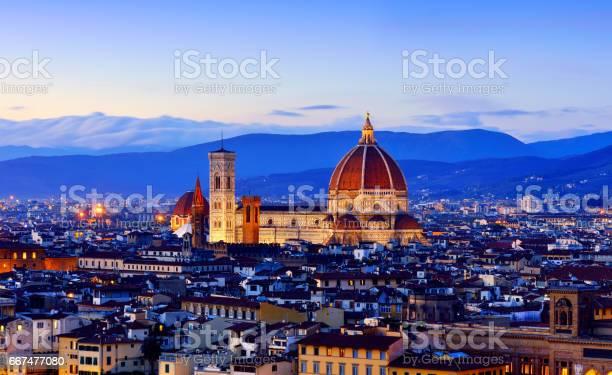 Duomo santa maria del fiore and florence cityscape picture id667477080?b=1&k=6&m=667477080&s=612x612&h=7naeoozl0g7xthvpw r qfnk1145tszgr5xpt9vln4o=