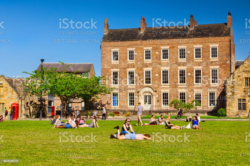 Durham City Palace Green Students Stock Photo Istock