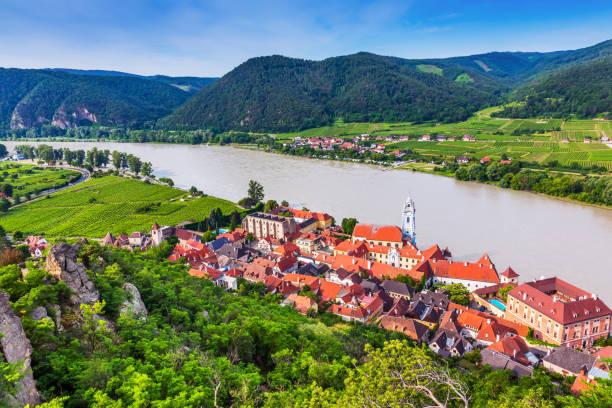듀른슈타인, 오스트리아. - 다뉴브 강 뉴스 사진 이미지