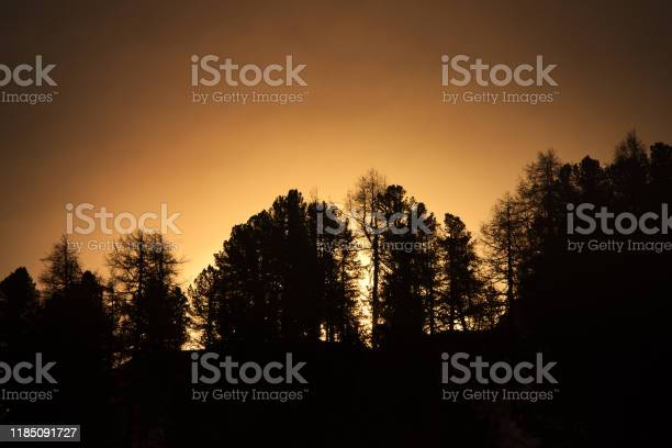 Photo of dusk in the mountain