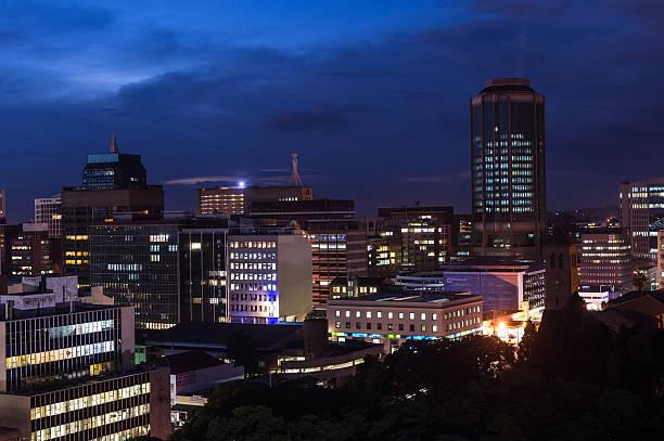Dämmerung Blick auf die Innenstadt von Harare, Simbabwe – Foto
