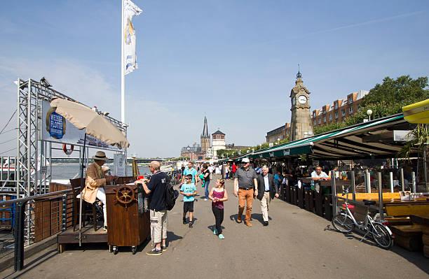 düsseldorf-promenade - nrw ticket stock-fotos und bilder