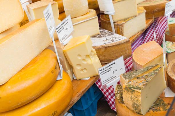 holländischer käse-sortiment, amsterdam - günstig nach amsterdam stock-fotos und bilder