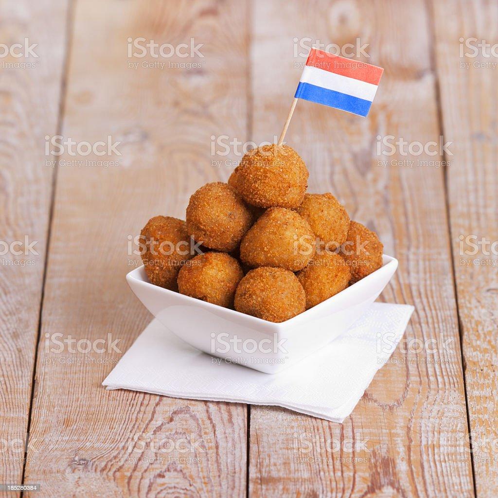 Niederländische Küche: U0027bittergarnituuru0027oderu0027bitterballenu0027, ...