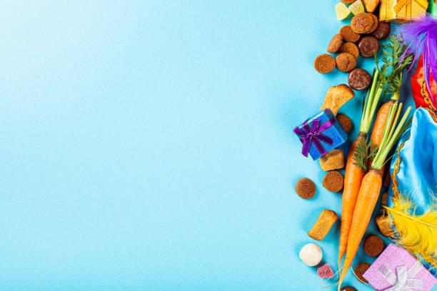 nederlandse feestdag sinterklaas achtergrond - kruidnoten stockfoto's en -beelden